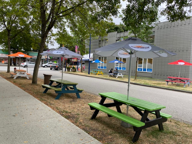 The Sunset on Fraser Business Association has brought together community organizations and businesses, along with neighbours, to create a wonderful gathering place where shoppers and neighbours can eat, drink, and mingle.